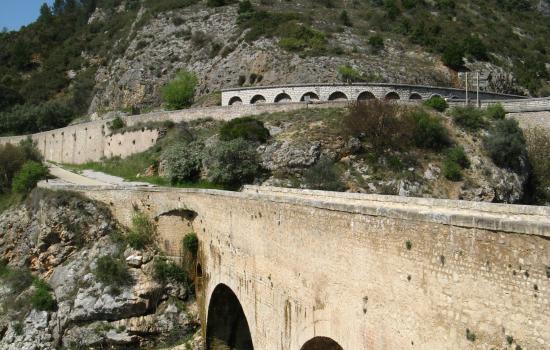 Le Pont du Diable à la sortie des Gorges de l'Hérault