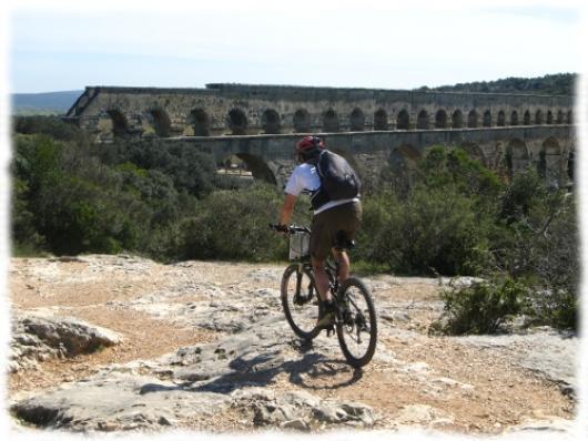 Pont du Gard, Grand Site de France pour commencer ce séjour VTT